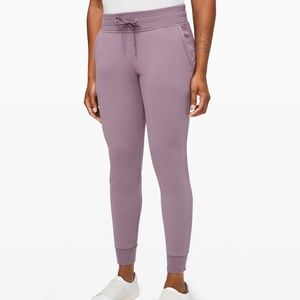 Lululemon Warm Down Jogger II Size 4 Mulberry NWT